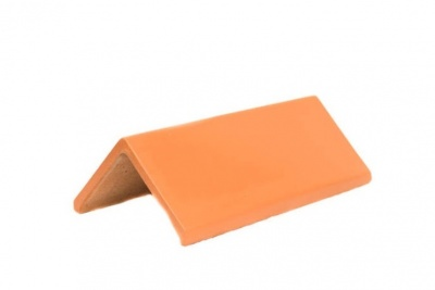 Plain Angle Red Ridge Tile